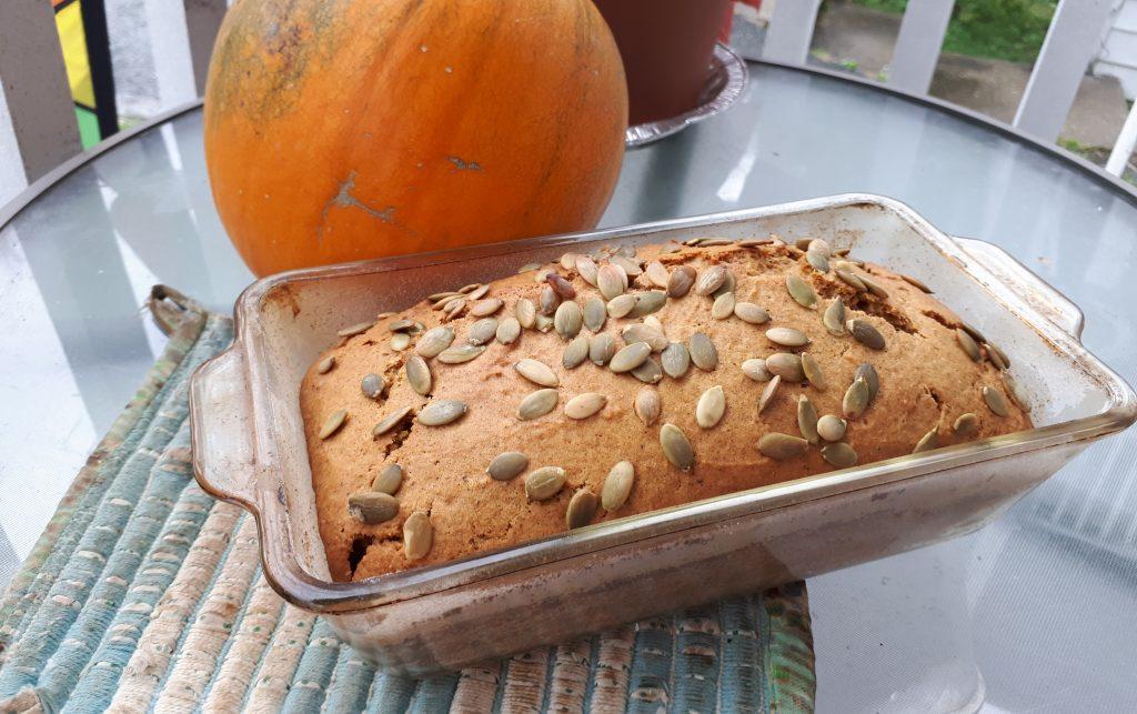 Pain la citrouille pic spiced pumpkin bread cora loomis nutritionniste - Comment couper une citrouille ...